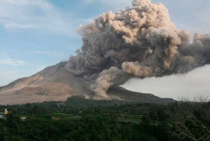 indonesia, amenaza, erupcion, volcan, monte Agung