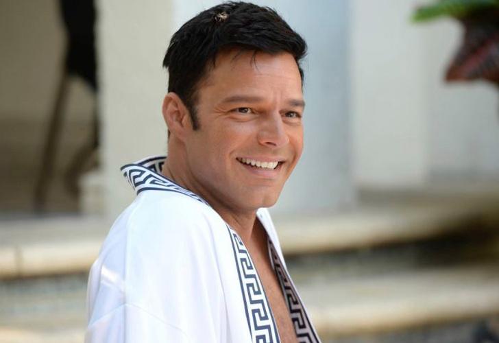 Ricky Martin presenta a su nueva hija, Lucía