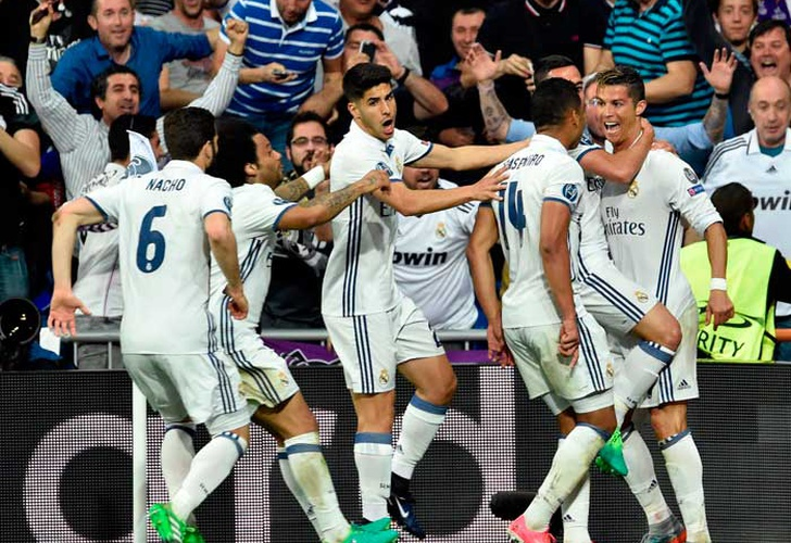 Con tres de Ronaldo, avanzó el Real Madrid