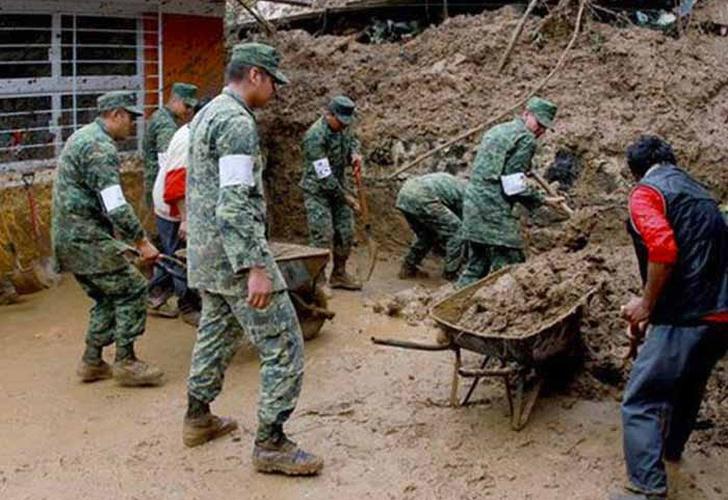 Mueren dos soldados mexicanos arrastrados por alud; seis están desaparecidos