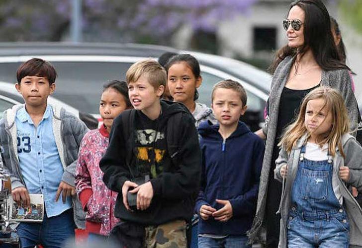No existe nada entre Brad Pitt y Sienna Miller