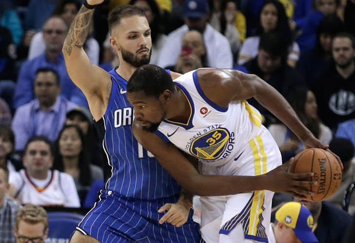 kevin, durant, shaun, livingston, orlando, magic, draymond, green, klay, thompson,-Con Curry lesionado, Durant lidera a los Warriors ante Magic