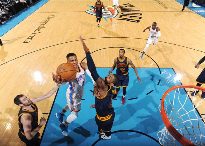 None-Westbrook logra otro 'triple doble; ante LeBron