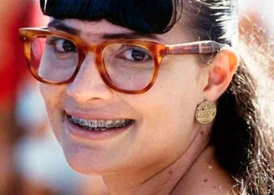"Influencer se hace viral por transformarse como ""Betty La Fea"" (VIDEO)"