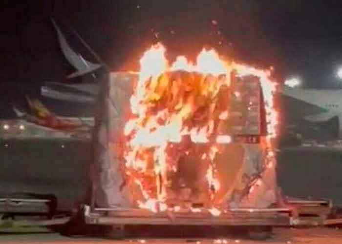 hong kong, incendio, cargamento de celulares, aeropuerto internacional,