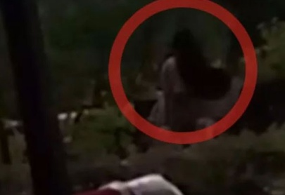 "¡En el parque! Captan a pareja en pleno ""acto sexual"" (Video)"