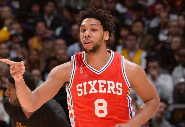 None-Okafor anota 20 y 76ers doblegan al Magic
