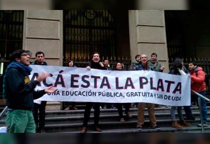 Marcha estudiantil en Santiago terminó con diversos incidentes