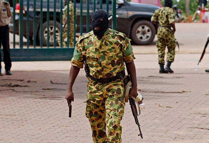 ÚLTIMA HORA: Extremistas islámicos atacan la capital de Burkina Faso