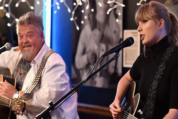 estados unidos, tennessee, nashville, taylor swift, concierto sorpresa, bluebird cafe,