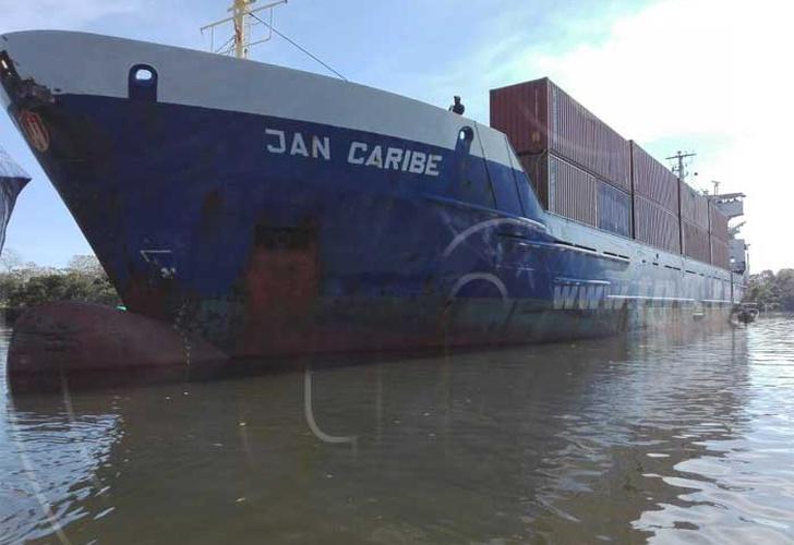 Choque entre barcos en el Río Escondido deja pérdidas millonarias
