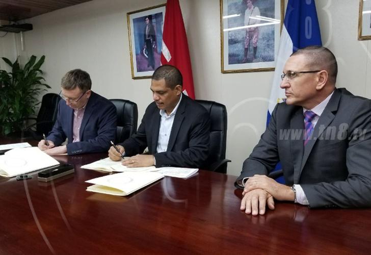 Gobierno fortalecer comercio exterior tras firmar for Gobierno exterior