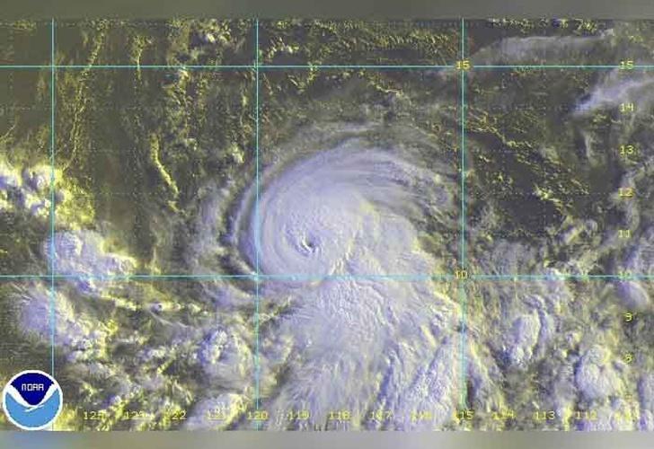 Huracán Fernanda alcanza categoría 3 en el Pacífico