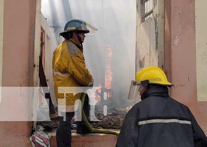 nicaragua, incendio, leon, viviendas, bomberos, fuego,