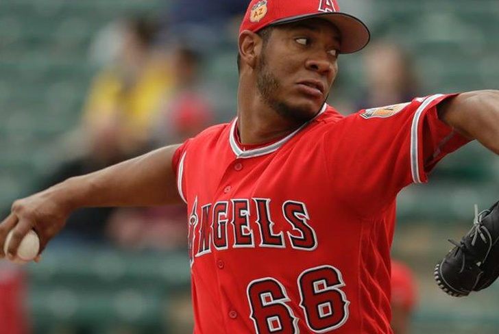 cheslor, kansas, angels, mlb, beisbol, spring training, nicas, pitcher, derrota, primavera, usa,