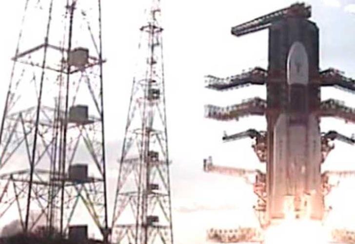 La India lanza 31 satélites en una sola misión