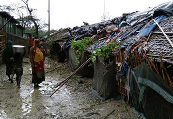 Al menos 77 muertos por lluvias torrenciales en Bangladés
