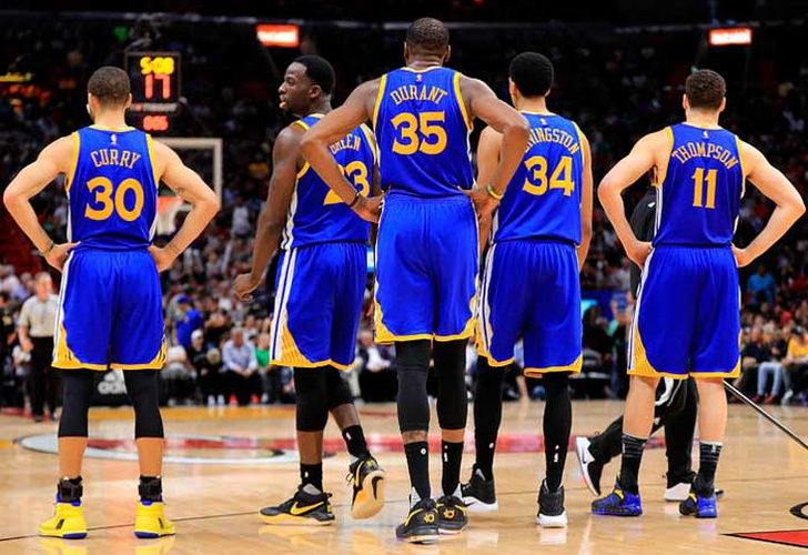 Dupla Curry-Durant pone a los Warriors arriba 2-0
