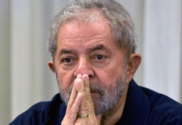 Resultado de imagen para Policía brasileña niega a Lula el derecho de asistir al velorio de su hermano