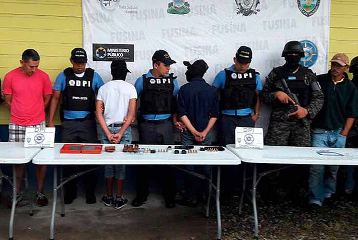 banda criminal, distribucion de drogas, direccion policial, red de narcomenudeo,