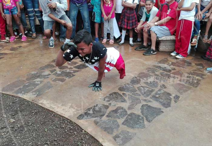 nicaragua, kukra hill, break dance, pasion por vivir, sin piernas, impedimento fisico, daniel ortega, discapacidad,