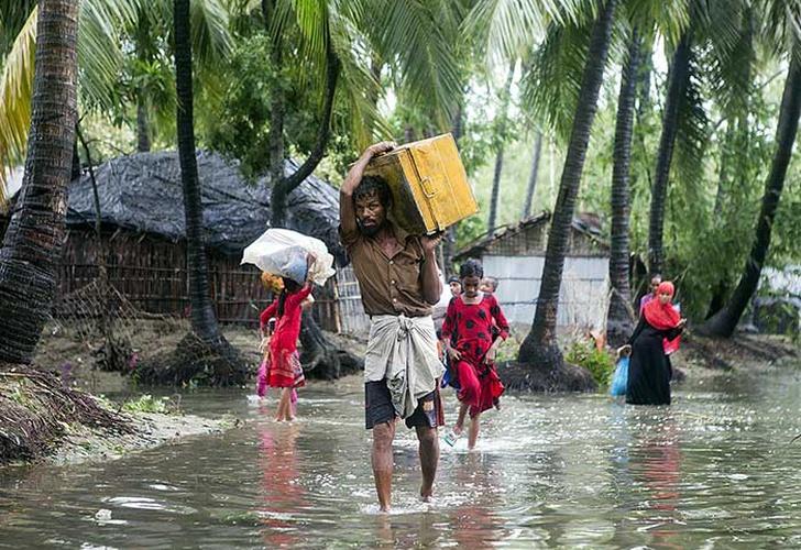 Cientos de miles de evacuados por ciclón en Bangladesh