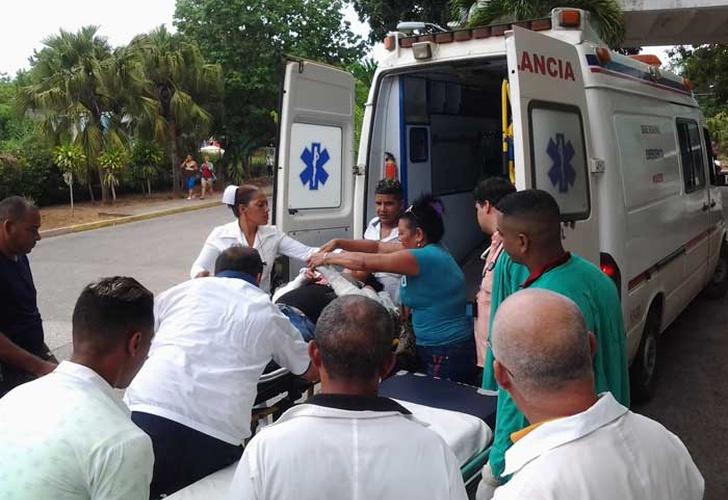 Accidente del tránsito deja 20 lesionados en Niquero, Granma (+ fotos y video)