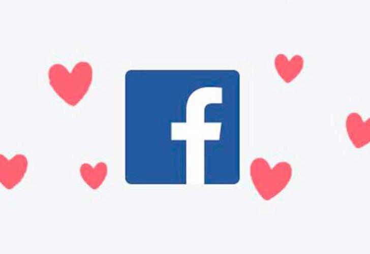 ¿Cómo activar el nuevo efecto de corazones en Facebook?