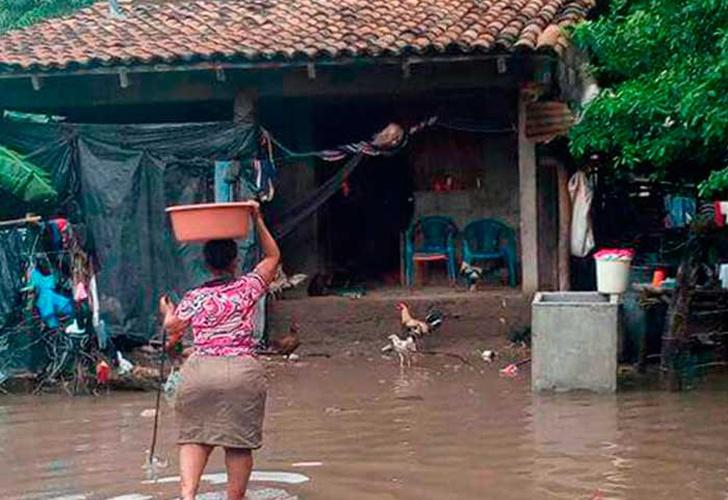Honduras reporta un muerto por lluvias y mantiene las alertas