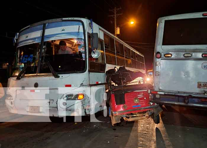 nicaragua, managua, accidente de transito, mototaxi, personas lesionadas,