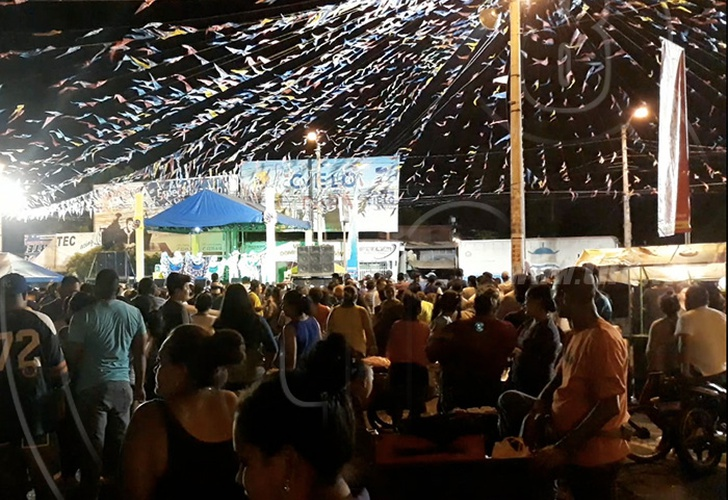 Managua Familias Participan En El Tradicional Palo Lucio