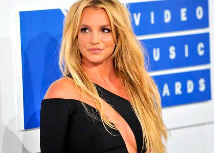 criticas, britney spears, foto familiar, photoshop, redes sociales, viral,
