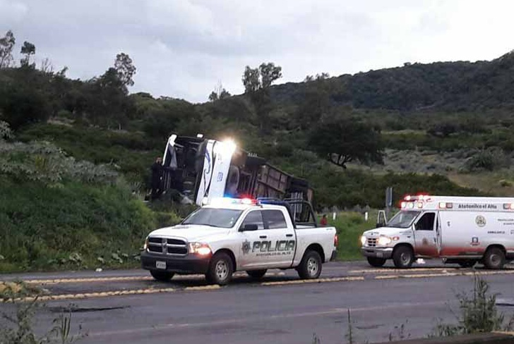 mexico, accidente de transito, autobus, 15 muertos, jalisco,