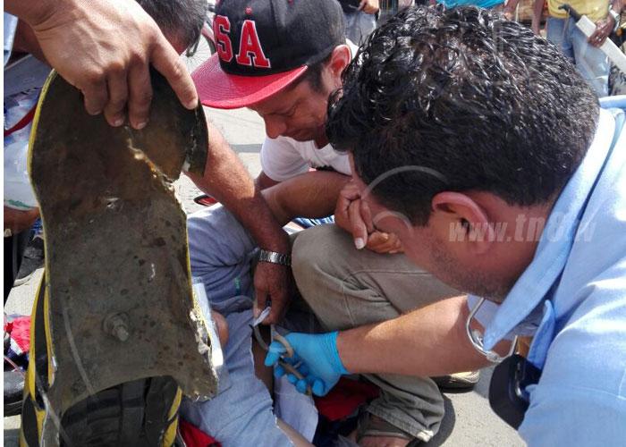 nicaragua, accidente de transito, los mil metros, semaforos, lesionado,