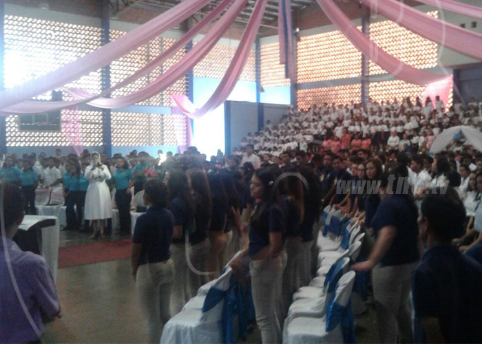 nicaragua, virgen maria auxiliadora, estudiantes, celebracion, colegio maria mazzarello,