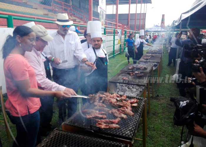 juigalpa, nicaragua, asado mas grande, asociaciones ganaderas, 7 mataderos, computadora para los ninos,