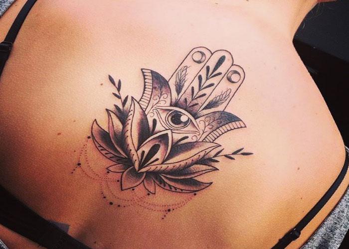 Tatuajes En La Espalda Significativos Diseños Para Mujeres