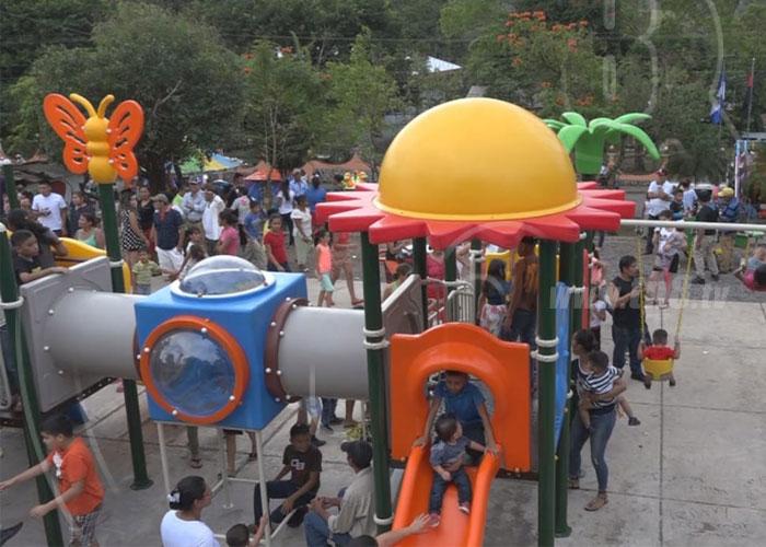 Parque Municipal De Rio Blanco Trae Alegria A Pequenos Con Juegos