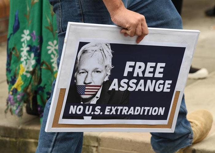 Niegan libertad bajo fianza para Assange pese a Covid-19