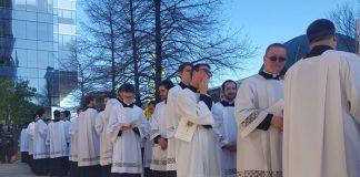 nombres de sacerdotes