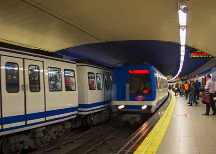 barcelona, mujer, violencia, metro,