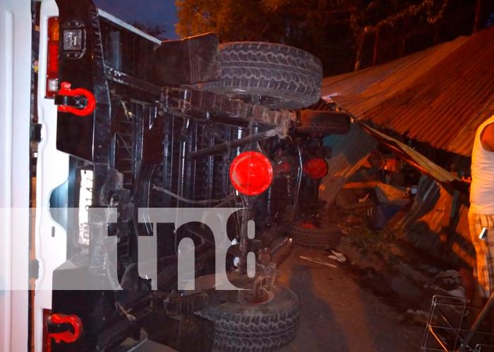 nicaragua, matagalpa, accidente de transito, vuelco, camioneta,