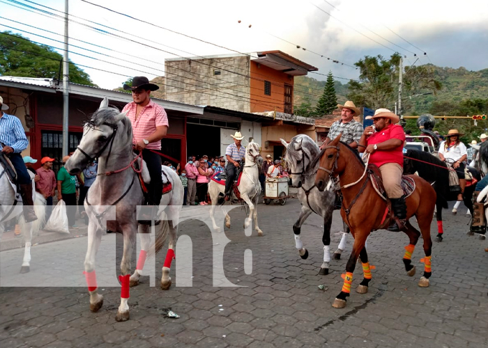 nicaragua, jinotega, desfile hipico, santa cruz,