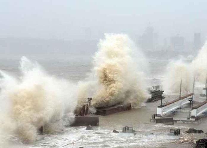 India, ciclón Tauktae, 127 desaparecidos, embarcación,