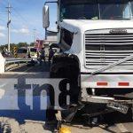 nicaragua, accidente, carretera nueva a leon, furgon, cauce,