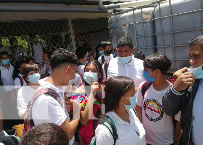 nicaragua, managua, colegio, bolivia, tanque,
