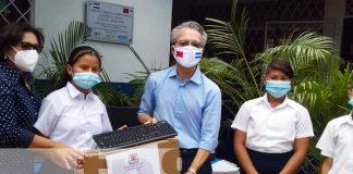 nicaragua, escuela, donacion, computadoras, taiwan,