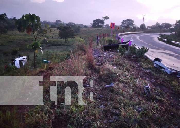 nicaragua, accidente, caribe sur, semovientes, carretera,