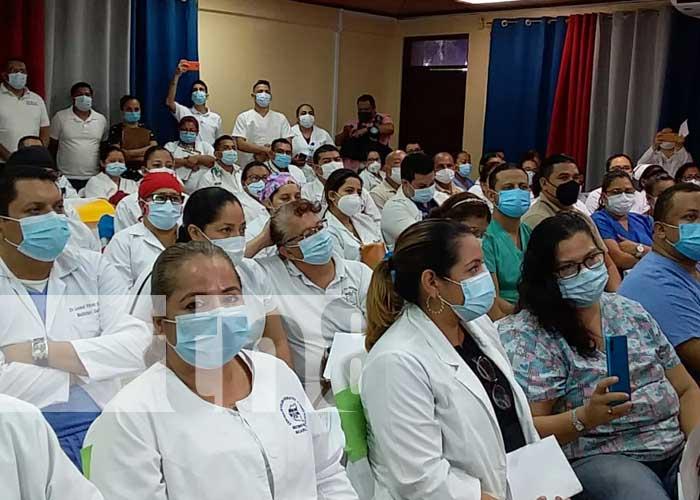 nicaragua, batas blancas, vacuna, salud, trabajadores,