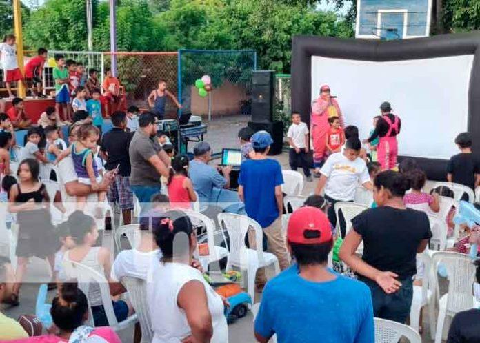 nicaragua, managua, barrio Acahualinca, ninos,